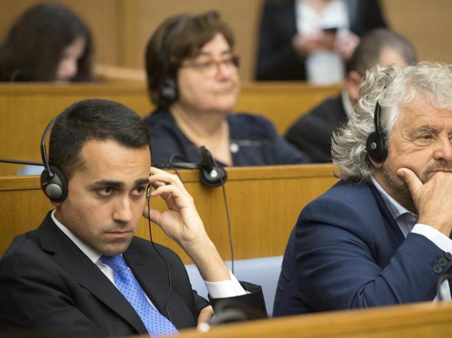 Premier M5S, no di  Fico e Di BattistaSaviano sui social: «Mi candido anche io»