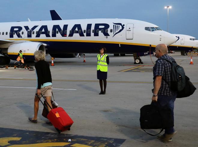 Ryanair cancella il 37,5% dei voli  in Italia. I   piloti chiedono contratti locali Videoscheda