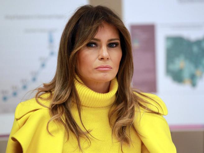 Melania Trump in giallo  per la visita in Ohio: tutti i look della first lady