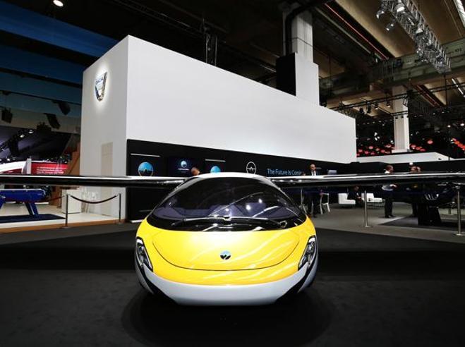 Al Salone di Francoforte le auto volano. Ecco Aeromobile e Pal-V: hanno le ruote e le ali