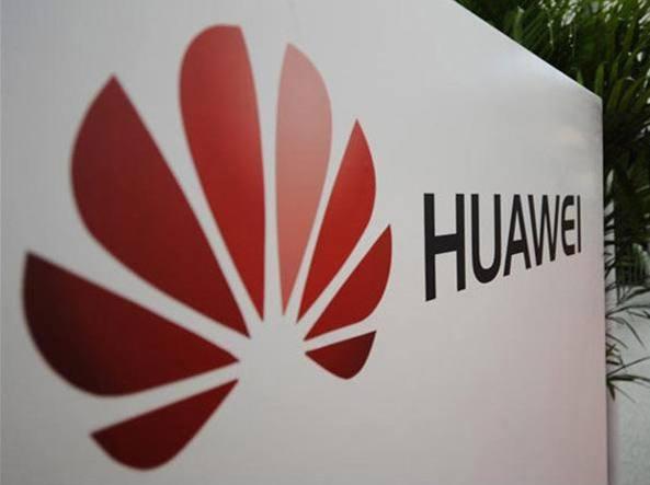 Huawei apre flagship store a Milano