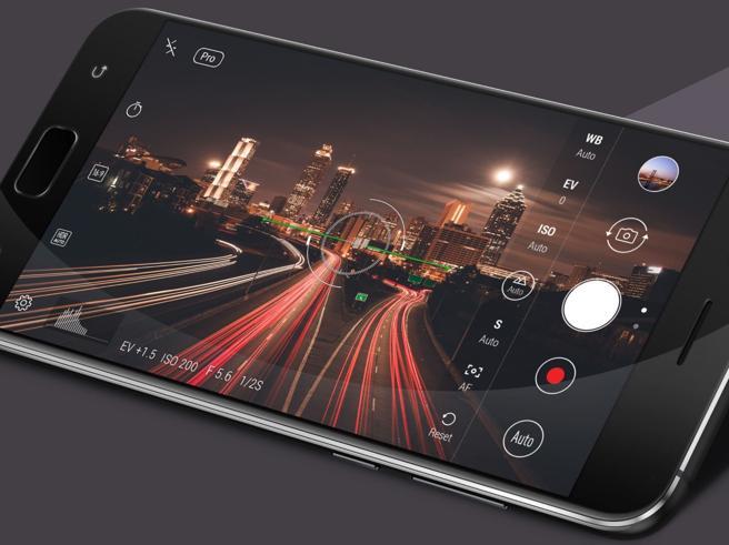 Smartphone, Asus punta sulla fotocamera: arriva la famiglia ZenFone 4 con cinque nuovi modelli