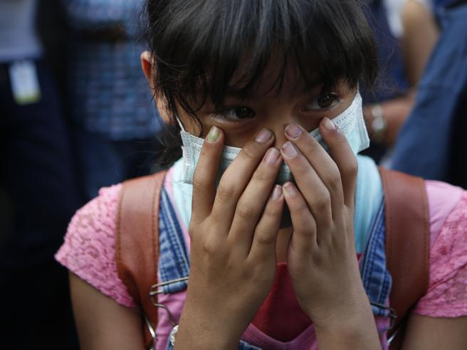 Terremoto, nuova forte  scossa in Messico: sismografi a  6.4Edifici oscillano nella capitale