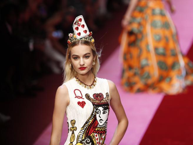 Dolce e Gabbana: una regina di cuori in passerella. «L'amore è bellezza»