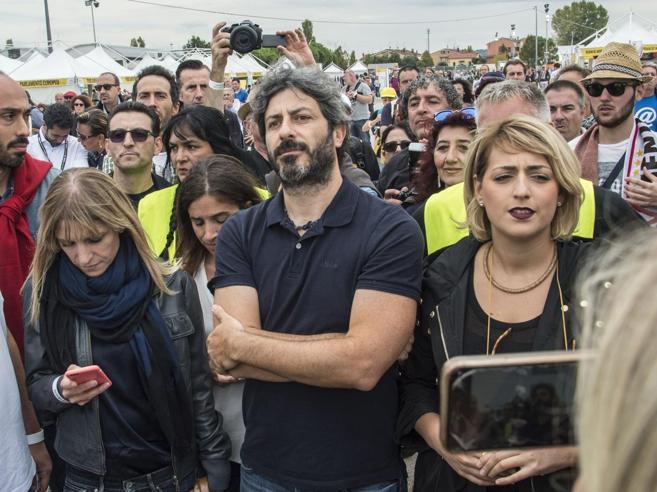 Fico contro Di Maio: non è il capo. Ma Grillo difende il candidato premier