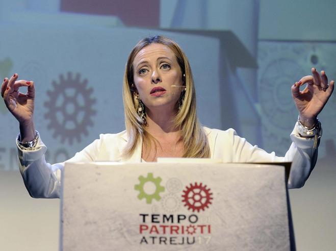 Meloni sfida gli alleati, Forza Italia e Lega: «La leadership? Io ci sono»