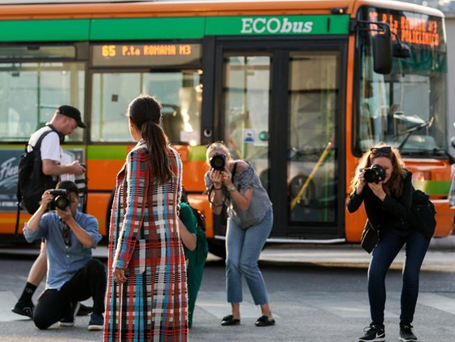 Milano e la moda: la «nuova alleanza» in 65 scatti