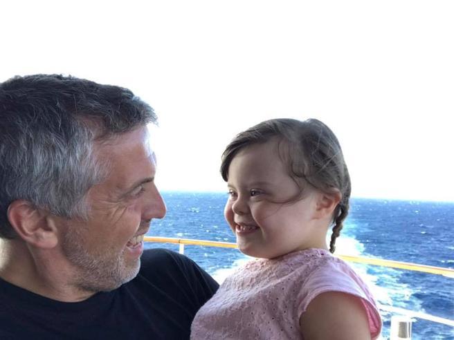 «Vi presento Anna, mia figlia con la sindrome di Down,  che sorride anche alla pioggia»
