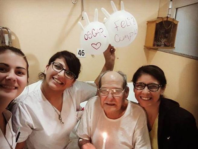 Compie 84 annie si sente solo: finge mal di testae va in ospedale