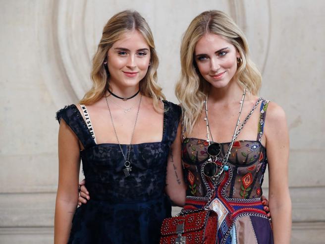 Fashion Week a Parigi: le star arrivano alle sfilate