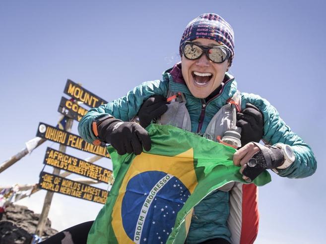 Il Kilimangiaro in 10 ore (andata e ritorno). Il record di Fernanda Maciel