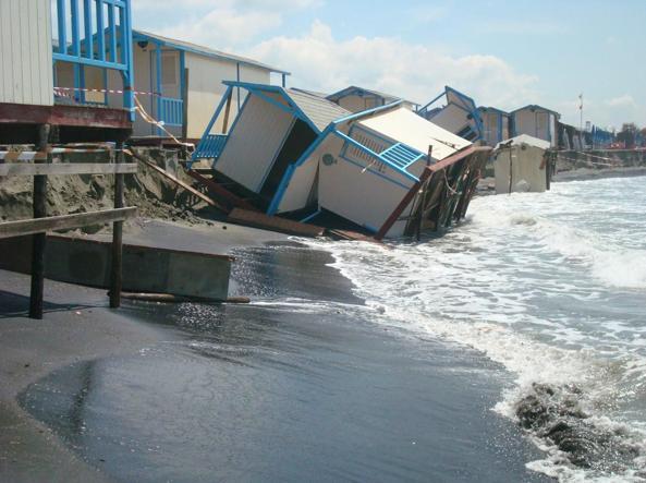 2100, l'Italia sott'acqua. Allarme per 33 siti costieri: rischiano di sparire