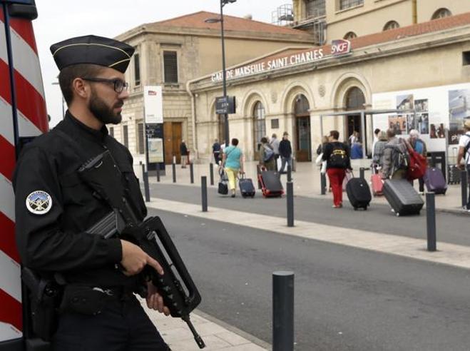 Marsiglia, il killer è un senzatetto tunisino Video Le immagini