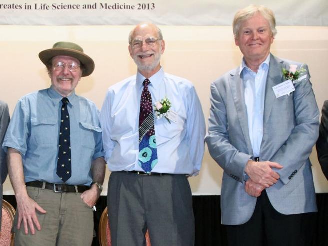 Il Nobel per la Medicina a Hall, Rosbash e Young:  scopritori dell'orologio biologico  Video