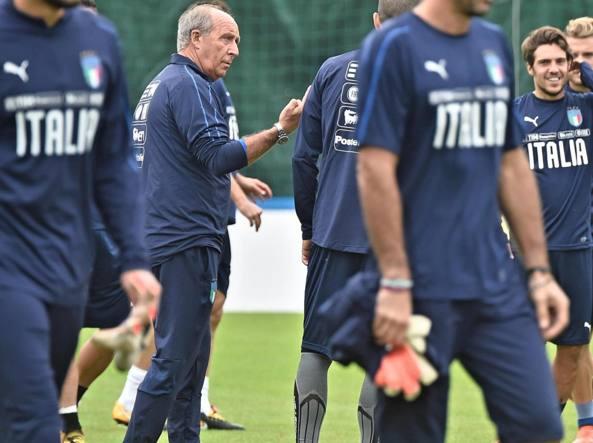 """Italia-Macedonia, Ventura: """"Servono almeno due punti per una buona posizione. Non cambio le mie idee"""". Chiellini"""