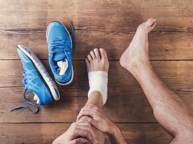 Dolore, gonfiore e arrossamento: il piede sarà rotto?