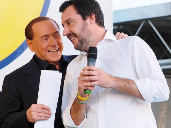 Fermi tutti: Silvio fa la rivoluzione