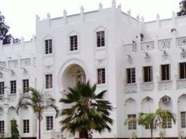 Kenya, uomini armati aprono il fuoco all'università di Mombasa: due morti