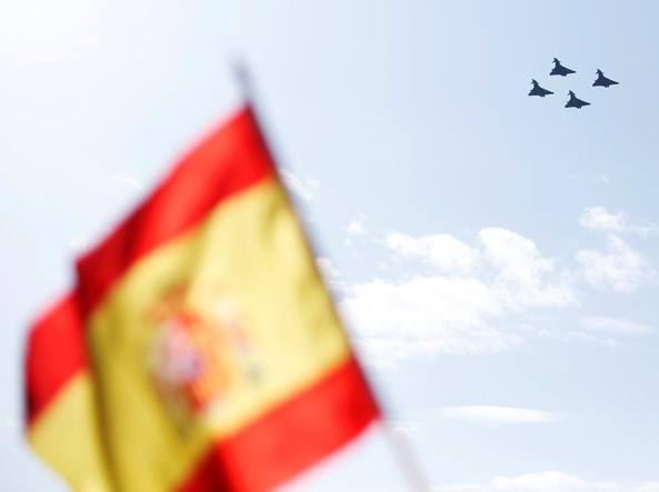 Eurofighter in volo su Madrid (Reuters/Winning)