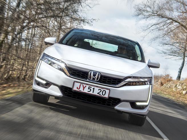 Honda Clarity Fuel Cell, la via dell'idrogeno