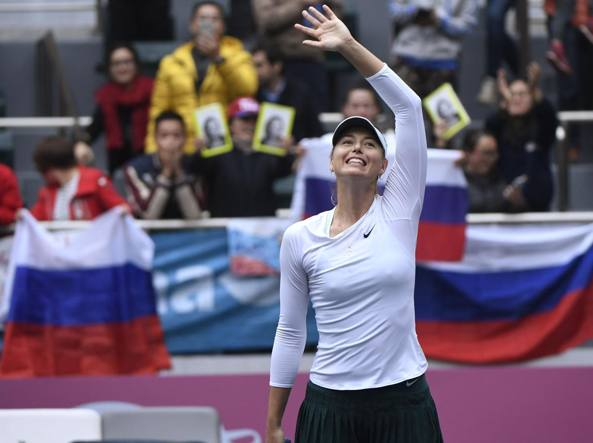 Wta Tianjin 2017, Maria Sharapova asfalta Shuai Peng e vola in finale