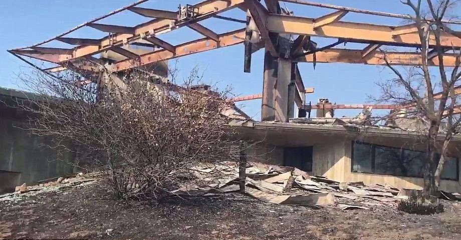 Incendi in california la casa di vetro da 14 milioni di euro distrutta dalle fiamme - La casa di vetro ...