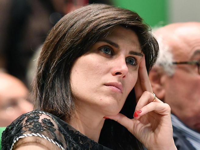 Torino, indagata la sindaca Appendino Di Maio: «Il Movimento è  sotto attacco»