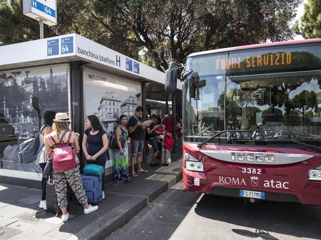 La ragazza presa a pugni sul bus: «L'ho denunciato, sono meno sola»