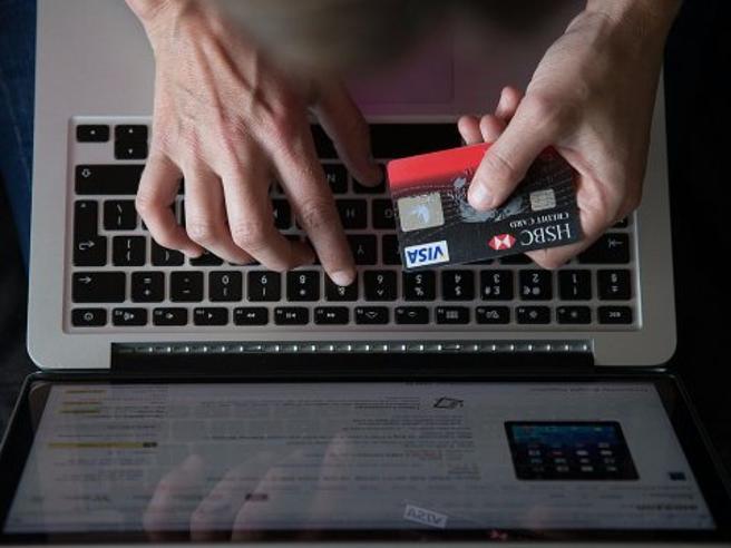 Shopping online? Dieci consigli per difendersi dalle truffe