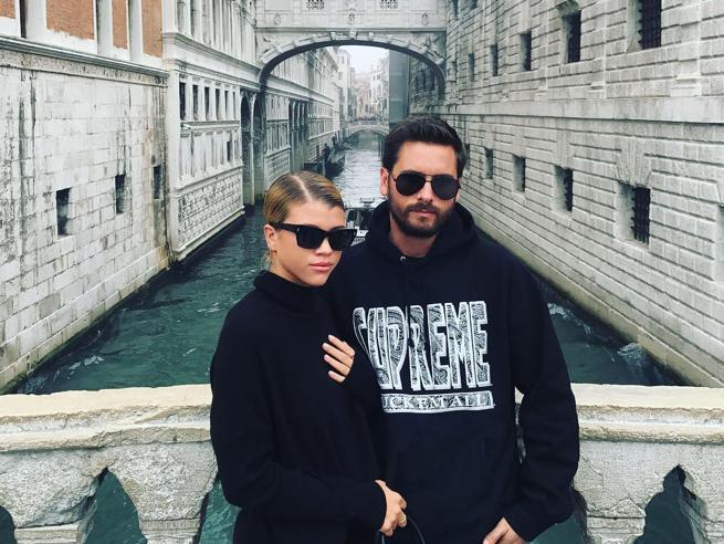 Sofia Richie ha dimenticato Justin Bieber: il viaggio romantico a Venezia con Scott Disick, l'ex di Kourtney Kardashian