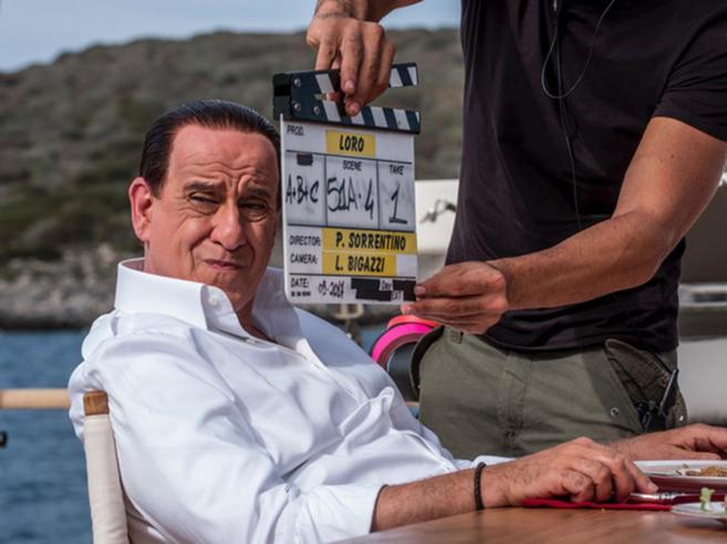 """Berlusconi contro  Sorrentino  """"Il film? Aggressione politica"""" Il regista: lui complesso"""