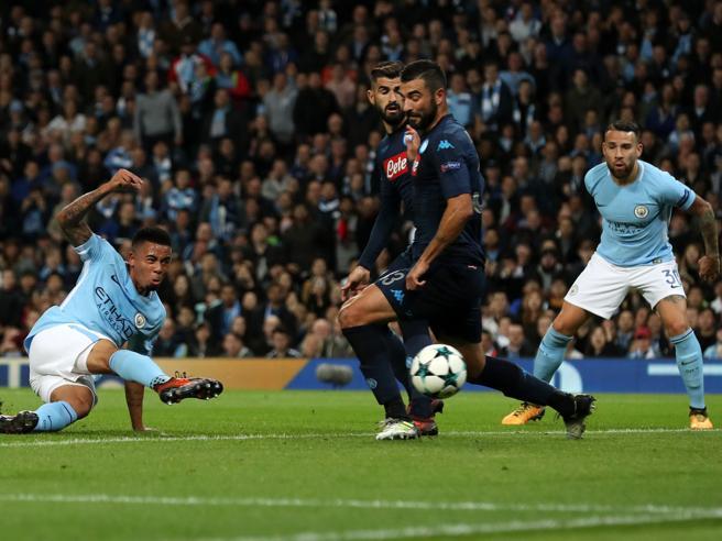 Manchester City-Napoli: come perdere una partita ed entrare nell'Olimpo del calcio totale