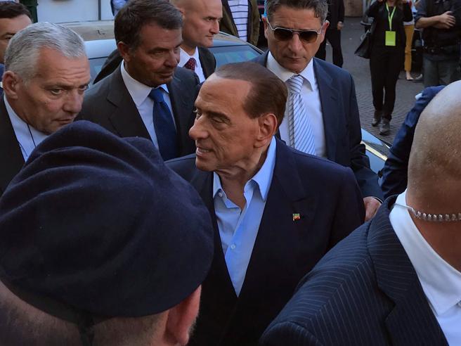 Berlusconi agli industriali: «Siamo eroi». E attacca la magistratura