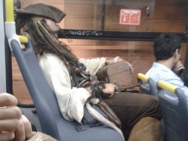Andare in metropolitana può essere un'avventura: incontri «del terzo tipo»