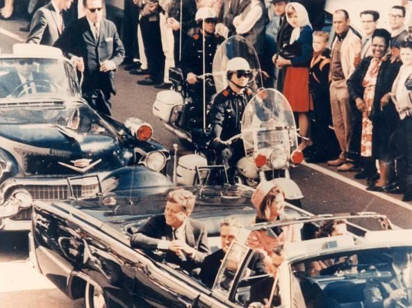 Trump potrebbe fermare pubblicazione documenti segreti sull'omicidio di John F. Kennedy
