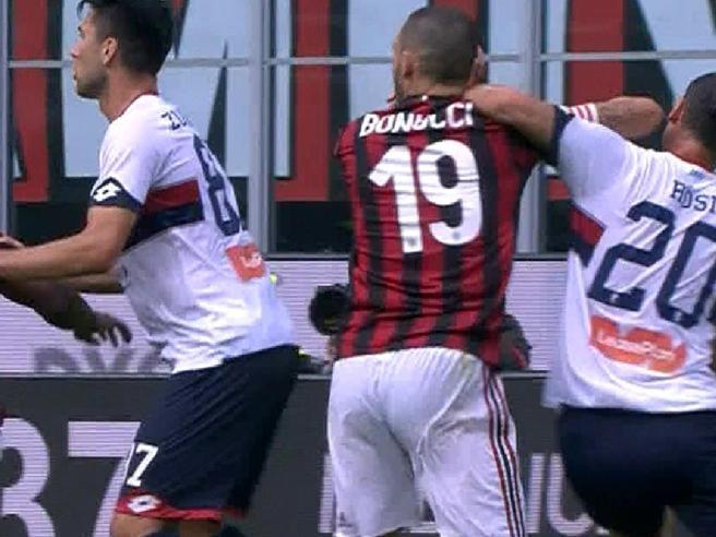 Follia di Bonucci e   rossoneri in 10,  Milan fischiato  VideoUdinese Juventus  Diretta: 1 2