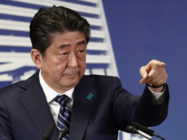 Giappone, trionfa Abe: «Mi occuperò  della Corea del Nord»