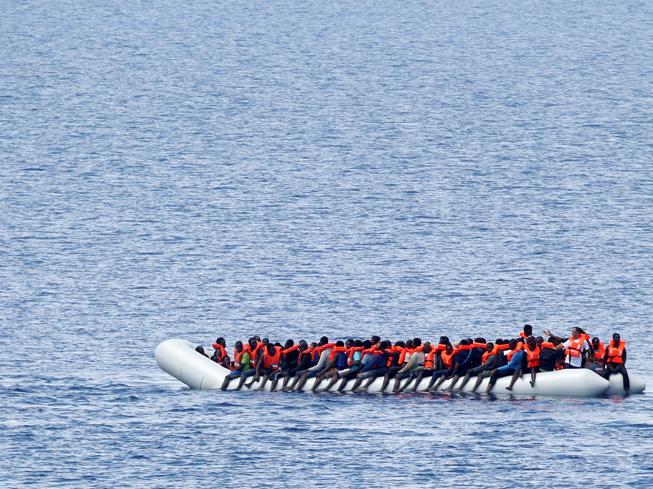 Migranti, inchiesta sulle Ong: perquisita a Catania la nave di «Save the Children»