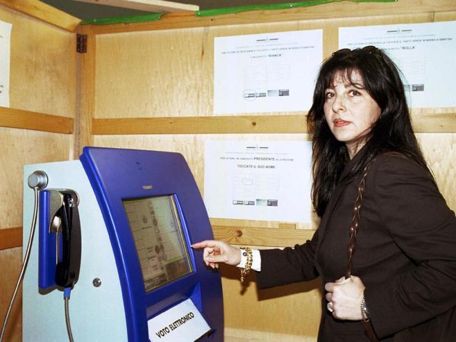 Voto elettronico, in Estonia funzionaLa cyber sicurezza frena la Germania