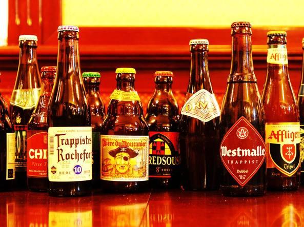 Wisconsin: bloccato nel frigo di un supermarket, passa la notte bevendo birra
