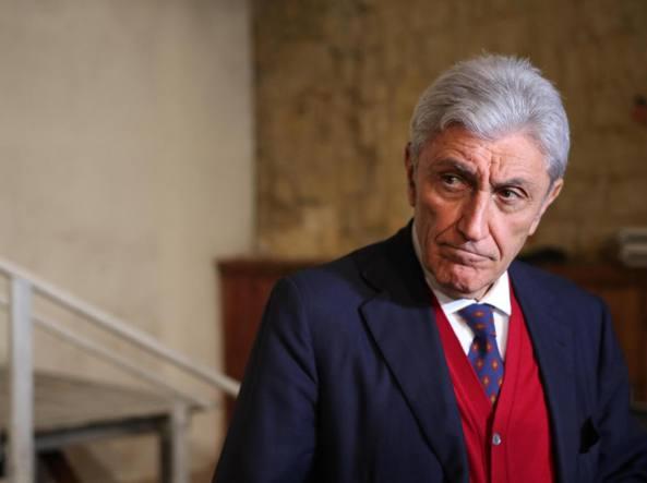Bassolino lascia il Pd, de Magistris: