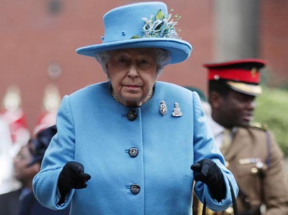 Panama Papers, gli affari della regina Elisabetta e del ministro di Trump