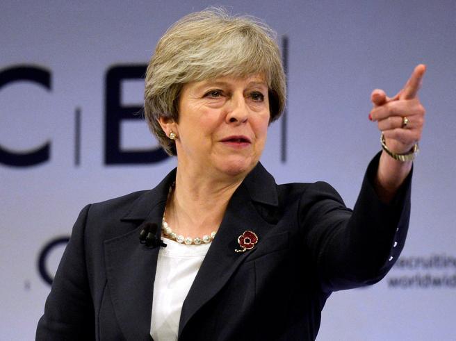 Theresa May: «Gran Bretagna fuori dall'Unione europeail 29 marzo 2019. Alle 23»