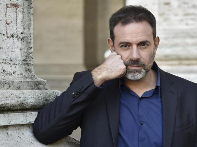 Molestie, Fausto Brizzi:  azioni legali per difendermi dalle accuse. Asia Argento: «Allora querelaci tutte»