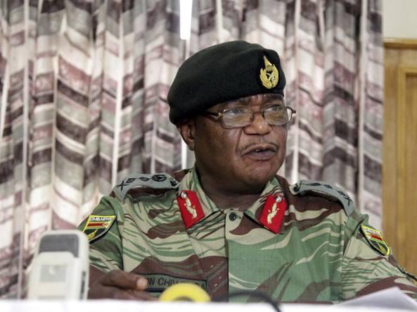 Tank e militari nel centro di Harare: si teme un golpe