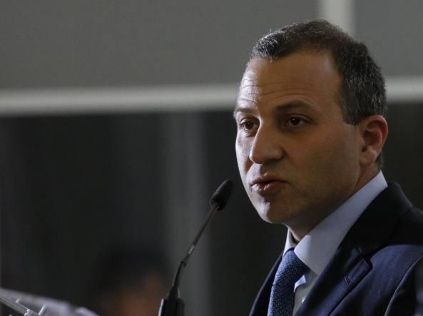 Crisi Libano, Hariri a Parigi