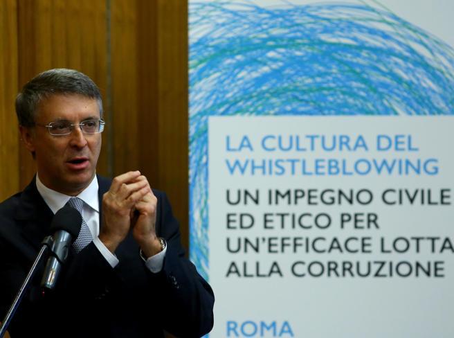 Il «whistleblowing» ora è legge:  così  si può denunciare il compagno di scrivania