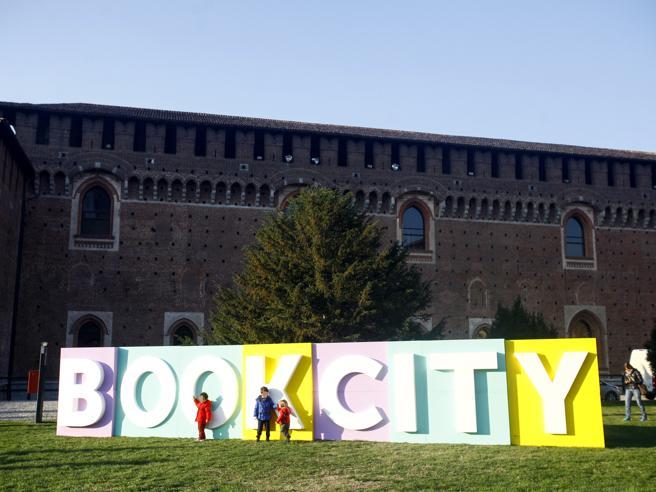 Bookcity milano al gran finale e la lettura in festa for Book city milano