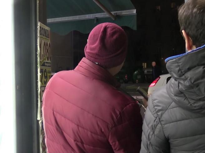 Roma, il video hard  al liceo: «Al Virgilio un clima di paura»Le famiglie: via i figli dal liceo