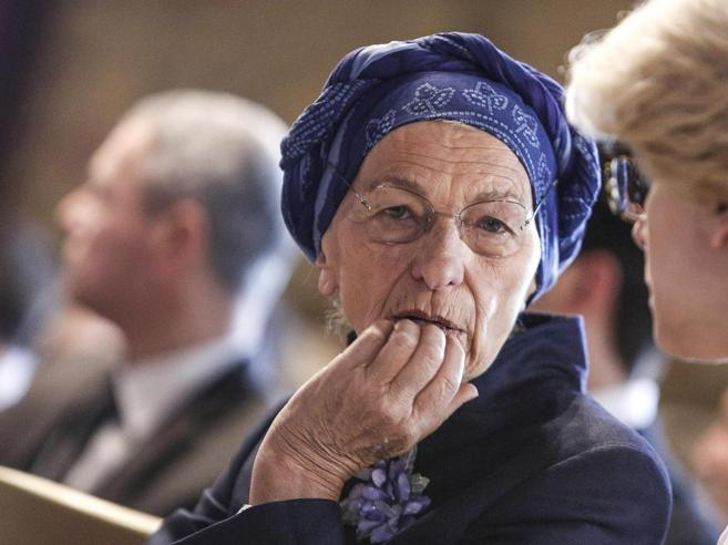 Un sacerdote di Bologna su Facebook «Emma Bonino ha ucciso più di Riina»
